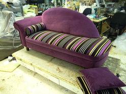 sofa-van-effen-stof-naar-gecombineerd--effen-met-gestreept--opdracht-Vlijmen