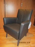 klein-fauteuiltje--leder--zwart-leder